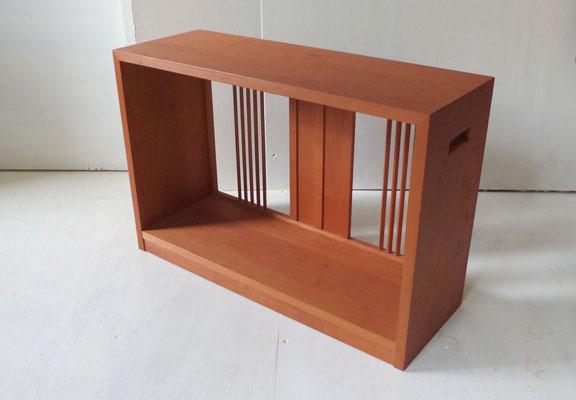 峰雲 脇机:お点前のスペース作りに重宝します。/八ヶ岳の家具工房ZEROSSOの点茶ユニット家具「峰雲」