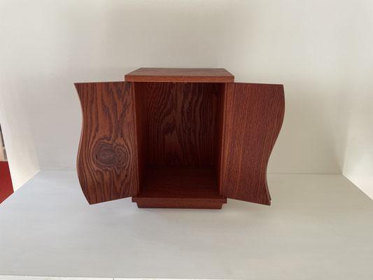 小さなお仏壇、厨子(朝鮮木)。八ヶ岳の家具工房ZEROSSOのコンパクトでモダンなお仏壇、オーダーメイド家具、キャビネット、オリジナルの茶道具、アート作品。