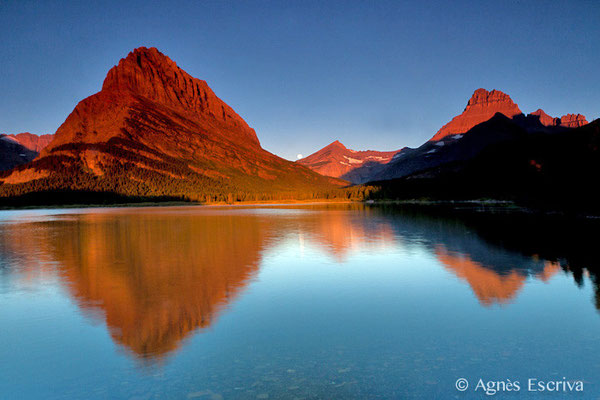 Alpenglow à Swifcurrent lake, Glacier National Park