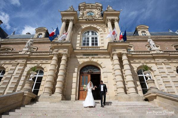 Sortie de la mairie d'Amiens