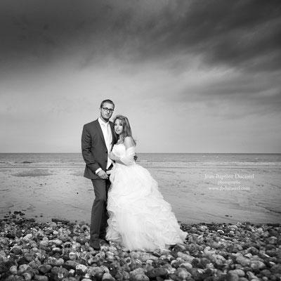 Mariage d'Hélène et Fabien : séance day after en bord de mer