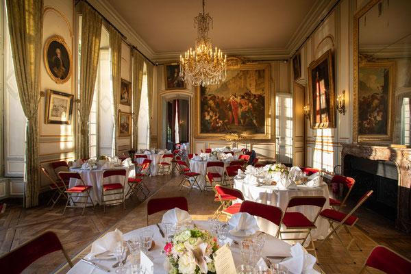 Salle du Château de Champlâtreux - décoration florale Georges François