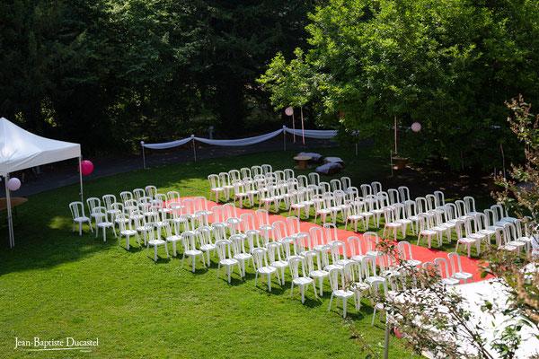 Le parc du Château de Naours prêt à accueillir une céréminie laïque en extérieur