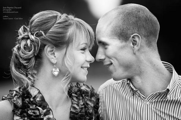 Séance photo engagement noir et blanc