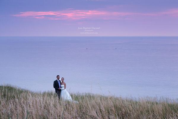 Séance couple coucher de soleil en Normandie
