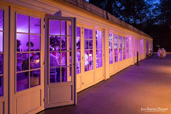 La Pavillon Blan du Domaines de Forges la nuit