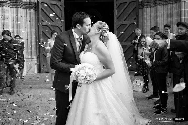 Le baiser des mariés - Robe Mariage by SD Rouen