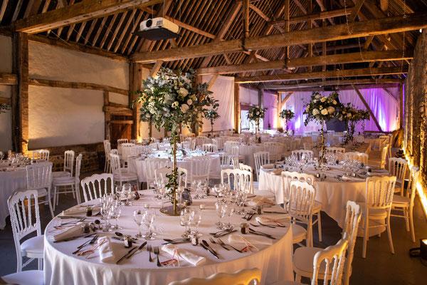 Salle de réception mariage du Manoir d'Ango à Varengeville sur Mer 76 - décoration florale : Bouquet Passion
