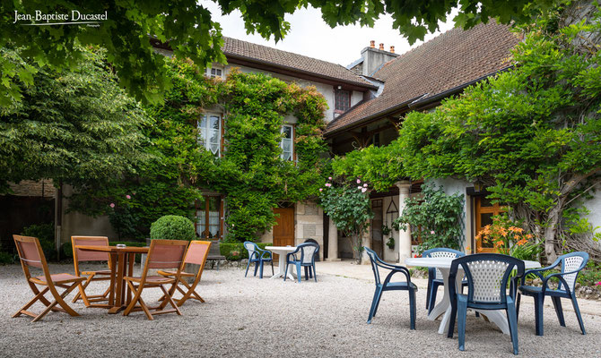 L'Hotel restaurant de la Poste à Saint Seine l'Abbaye - 21 - Côte d'Or