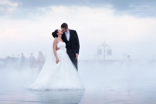 Mariage à Bordeaux séance day after sur le miroir d'eau