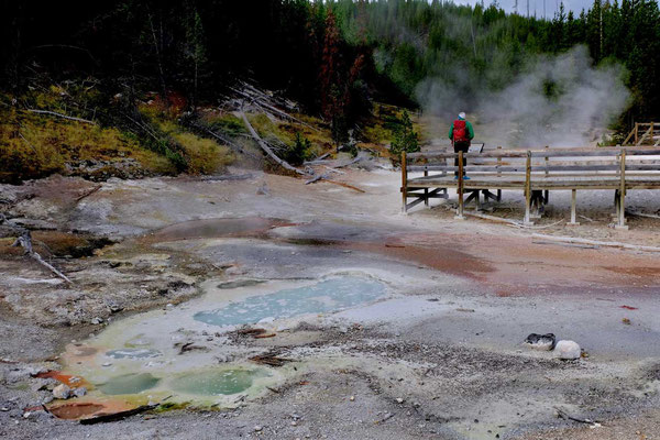 Artists Paintpots Yellowstone Nationalpark