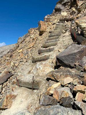 Treppepassage zum Munt Pers, Wanderung Diavolezza Bergstation