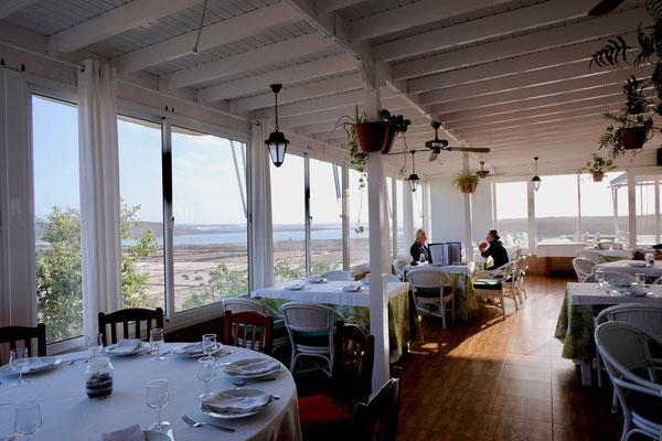 Atmosphäre mit Ausblick, Restaurant Mirador Salinas de Janubio Lanzarote