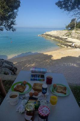 Frühstück am Meer, in der Nebensaison keine Seltenheit