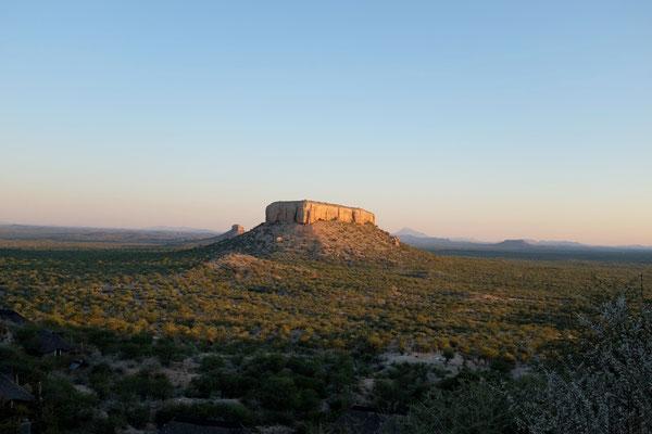 Blick vom Heaven's Gate Chalet (Vingerklip Lodge), Namibia