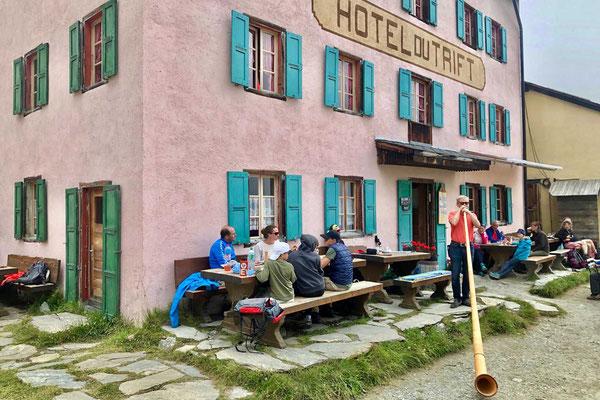 Hotel du Trift Alpenhornbläser