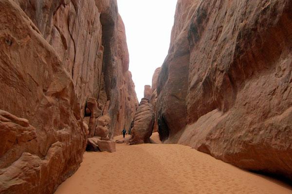 Sand Dune Arch Trail von Devils Garden Campground