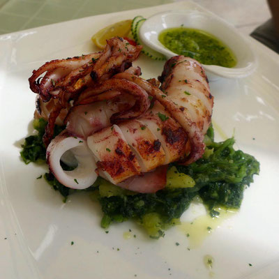 Gegrillter Pulpo im Na Tale Restaurant in Pag