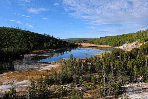 Seenlandschaft an der Upper Loop Yellowstone Nationalpark