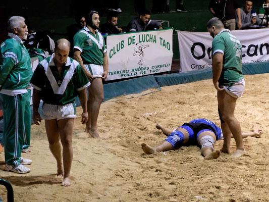 Beim traditionellen Ringkampf wird alles gegeben, Lanzarote