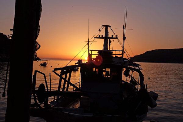 Sonnenuntergang von der Taverna Takis, Limeni, Mani Peloponnes