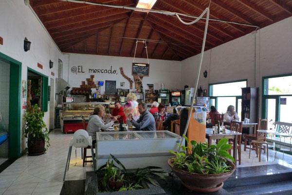Mercado Municipal de Abastos, gut essen in der Markhalle Haria
