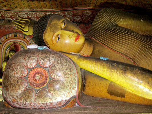 Liegender Buddha  Dambulla Höhlentempel Sri Lanka