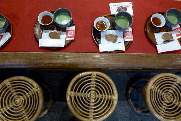 Tourindou Tokio, japanische Süßigkeit zu grünem Tee