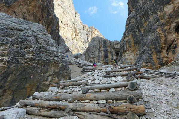 Aufstieg Forcella del Lago Dolomiten-Höhenweg Nr 1