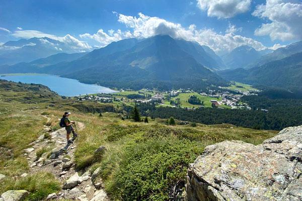 Wanderung Blick auf Maloja und Silser See