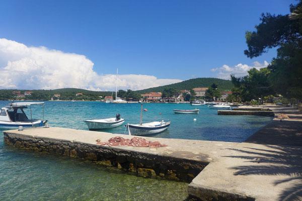 Idyllischer Hafen von Loviste auf Peljesac