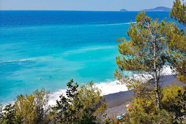 Punta Corvo Strand Ligurien