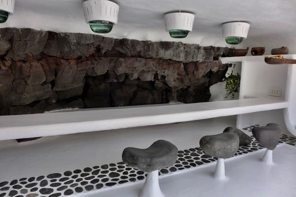Jameos del Agua Poolbar im Manrique Design/ Lanzarote