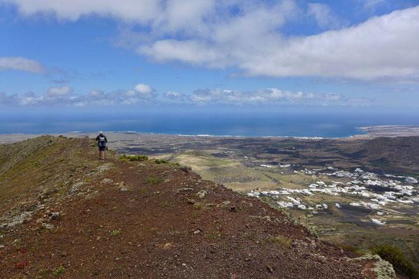 Auf der Kraterkante des Los Helechos – Haria Wanderung Lanzarote