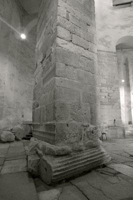 Zadars Kirche wurde direkt auf die römischen Säulenstümpfe gebaut