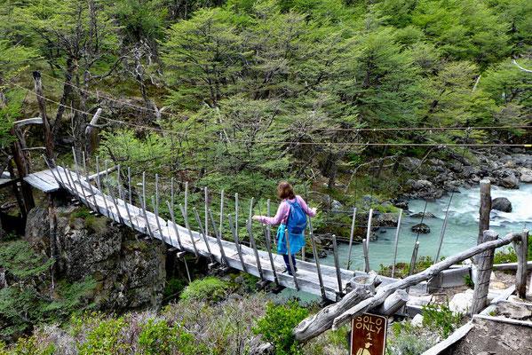 Hängebrücke über den Rio del Diablo