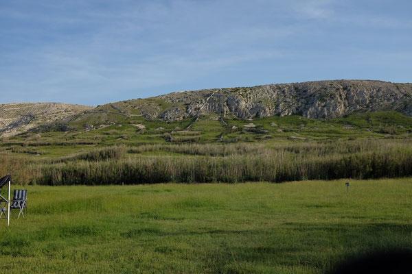 Die schöne Rückseite des Campingplatzes Sv Duh auf Pag