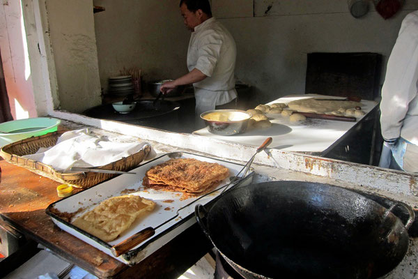 Snacks in den Gassen der Hutongs