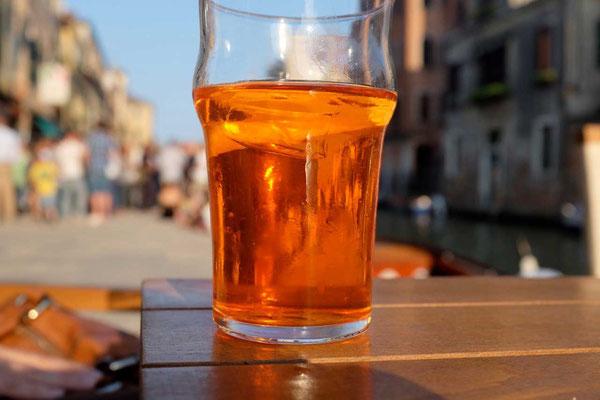 Groß & günstig der Spritz im Al Timon, Cannaregio Venedig