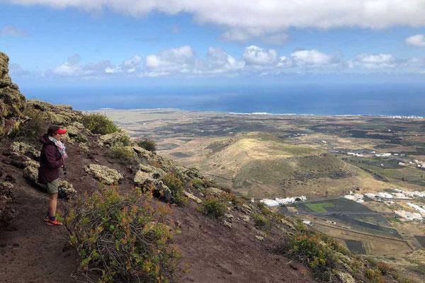 Weitblick vom Aussichtsberg Los Helechos, Wanderung Lanzarote