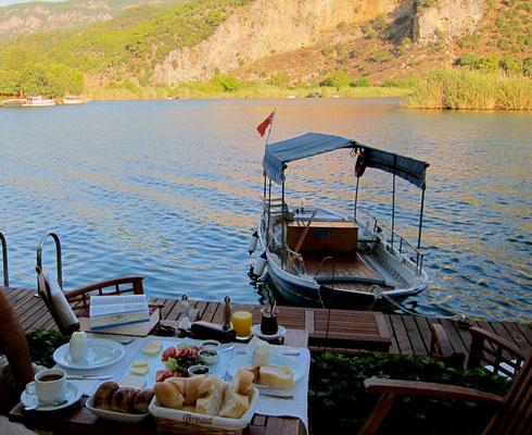 Frühstück am Wasser, Kano Hotel Dalyan, Lykischen Küste Türkei