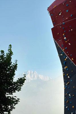 Eindrucksvolle Hauskletterwand des Salzburger Hof Leogang