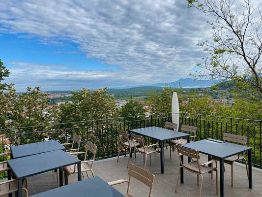 Terrasse mit Weitblick, Restaurant Peteani Labin