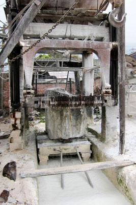 Marmorzuschnitt in der Fabrik in Dali