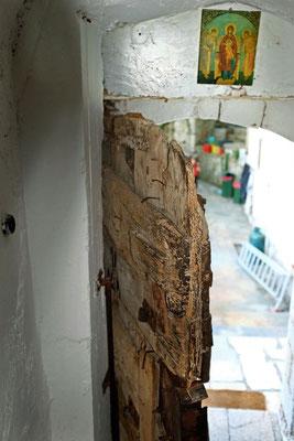 Holztür ins heilige Innere, Kloster Prodromou