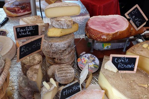 Käse in Hülle und Fülle, Samstagmarkt in Chamonix