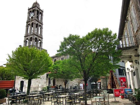 Dorfplatz mit Kafenion, Stemnitsa