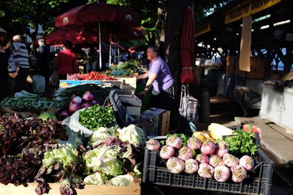 Großer Frischmarkt von Pula