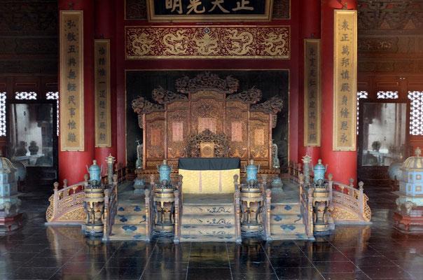Drachenthron des chinesischen Kaisers