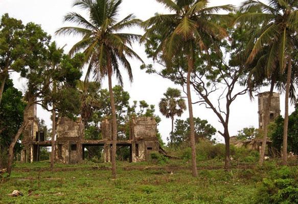 Kriegsruinen an der Nilaveli Beach
